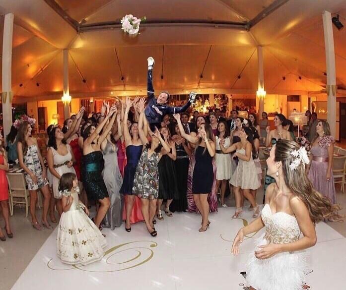 Ou, quem sabe, Rogério estava treinando para algum casamento