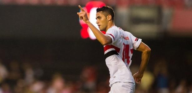 Alan Kardec em ação pelo São Paulo; lesão do atacante é grave e vai afastá-lo por 6 meses