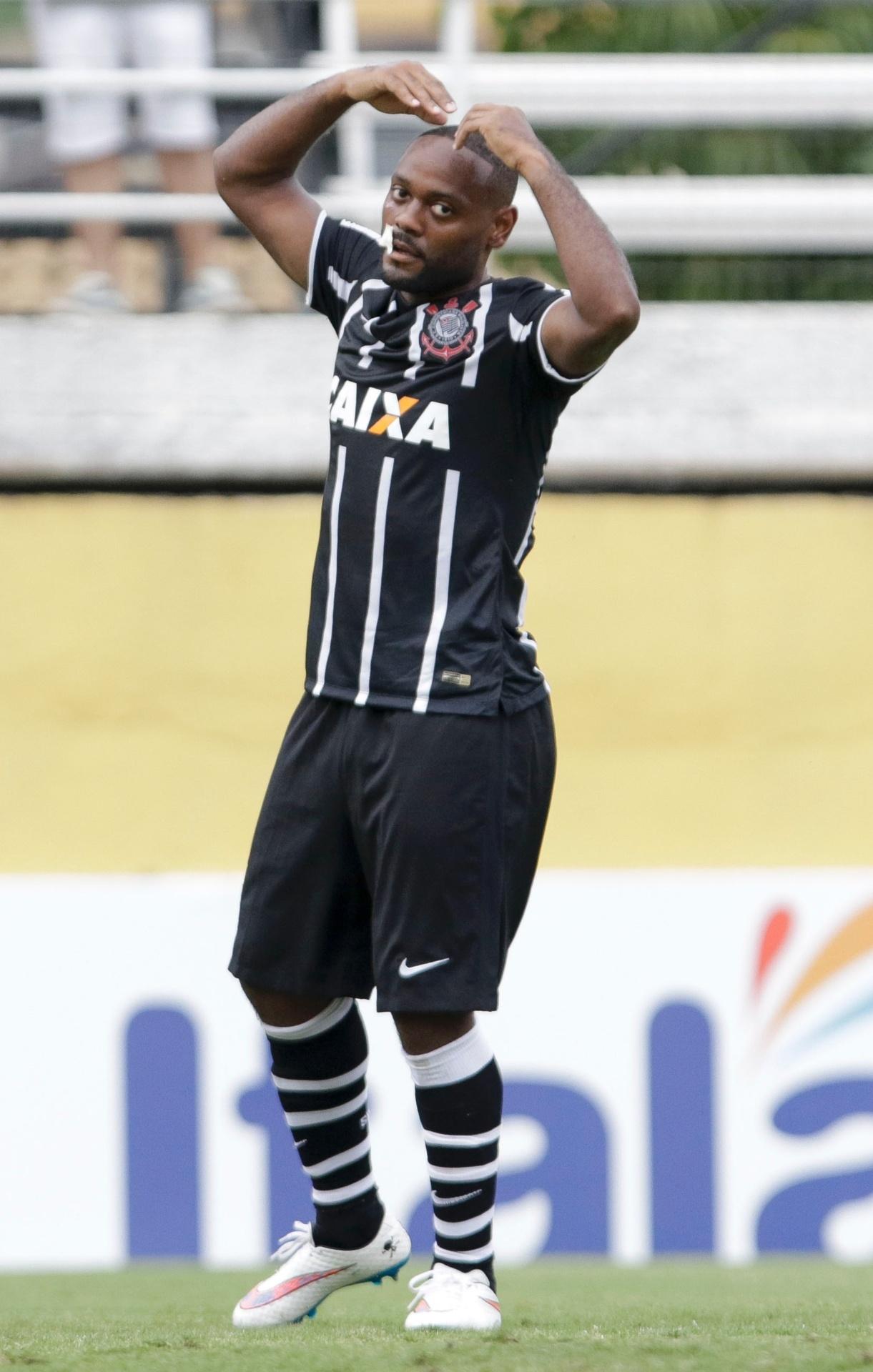 Vagner Love comemora seu primeiro gol com a camisa do Corinthians