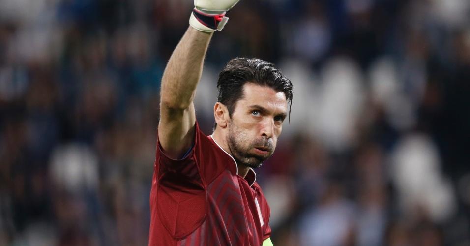 Buffon, durante o amistoso entre a Itália com a Inglaterra