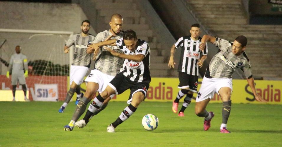 Botafogo-PB enfrenta o Botafogo no Estádio Almeidão em João Pessoa, em jogo da Copa do Brasil