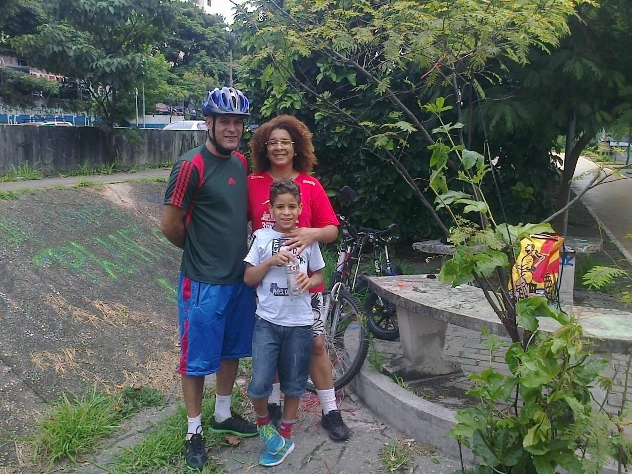 Devair Ferreira dos Santos avalia o trajeto da ciclovia como seguro
