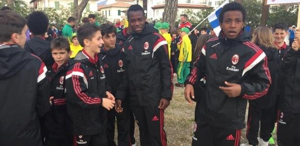 Jogadores do sub-10 do Milan, durante o torneio Universal Cup, na Itália