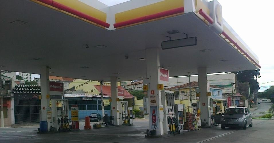 Posto de gasolina na Vila Matilde é uma das poucas opções para fazer uma