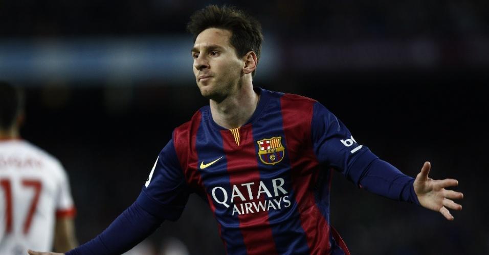 Messi comemora após marcar belo gol para abrir o placar para o Barcelona