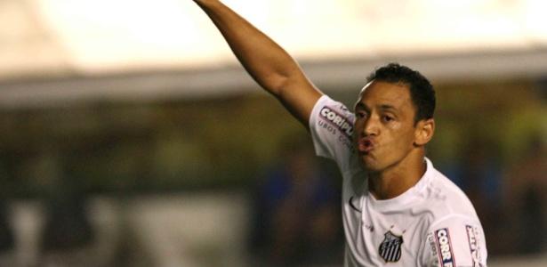 O camisa 9 tem contrato com o Santos até o término do Campeonato Paulista