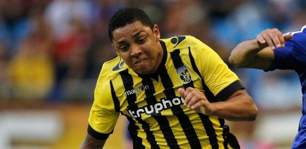 "Wallace, do Vitesse, foi preso na Holanda acusado de ""ofensa sexual"""