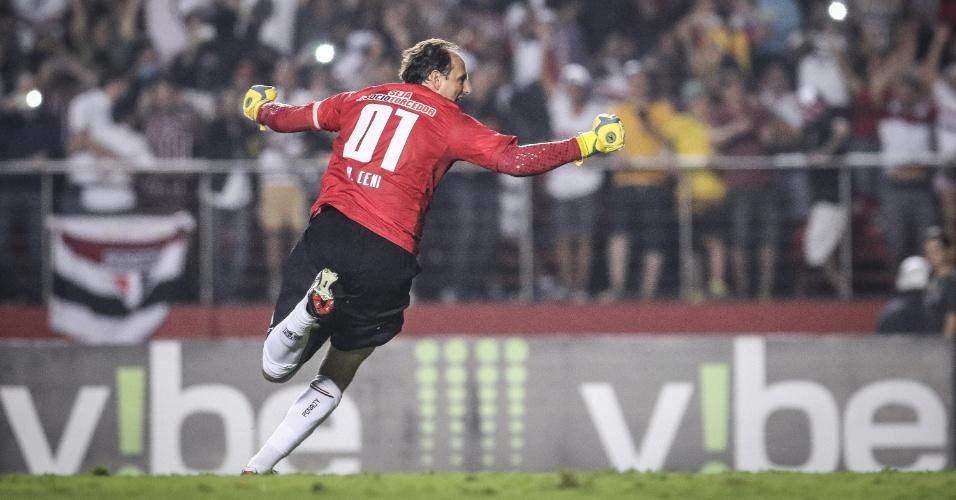 Rogério Ceni comemora após cobrar falta e abrir o placar para o São Paulo, contra o Red Bull, pelo Paulistão
