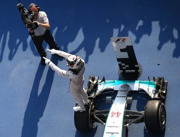 Rei da China, Hamilton dominou de ponta a ponta para vencer pela quarta vez em Xangai