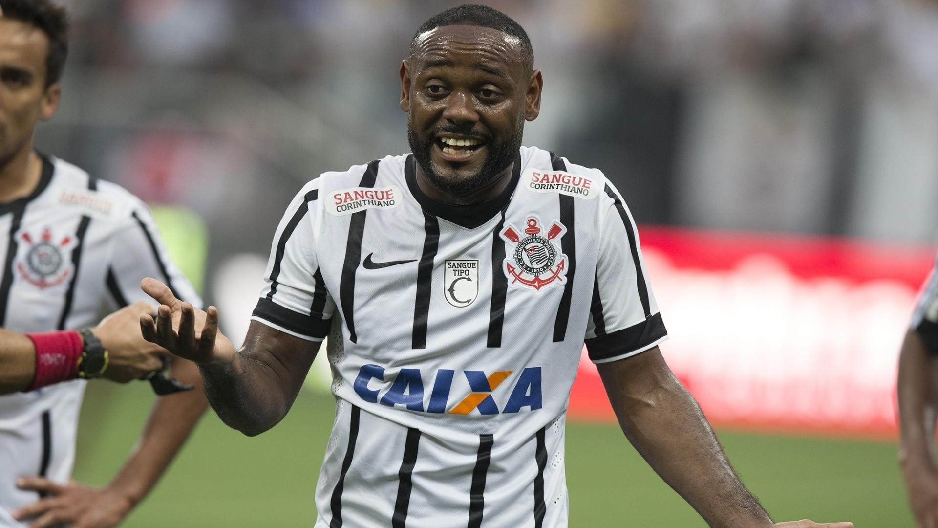 Vagner Love reclama de jogada durante Corinthians e Ponte Preta