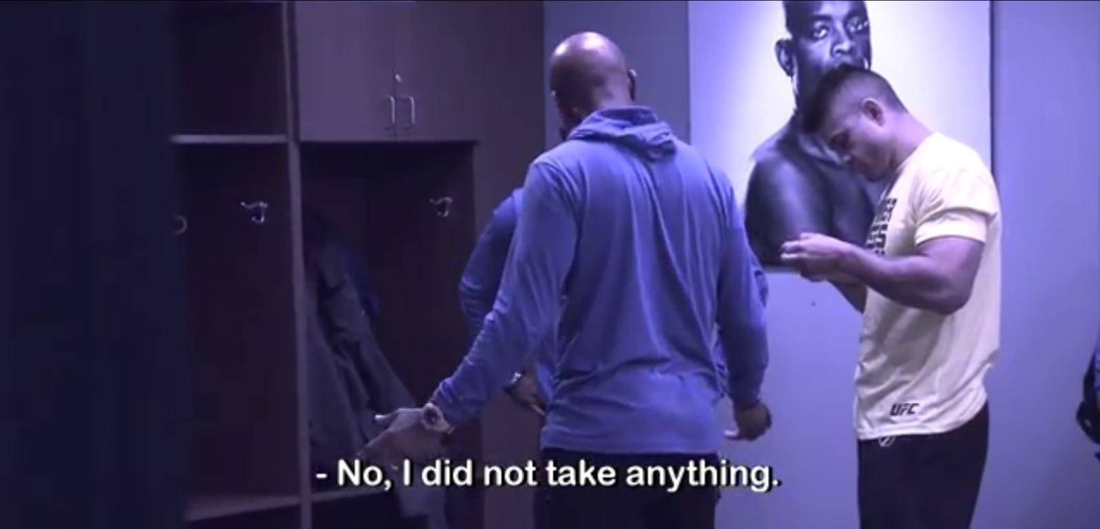 Anderson Silva é avisado de que havia sido flagrado no antidoping