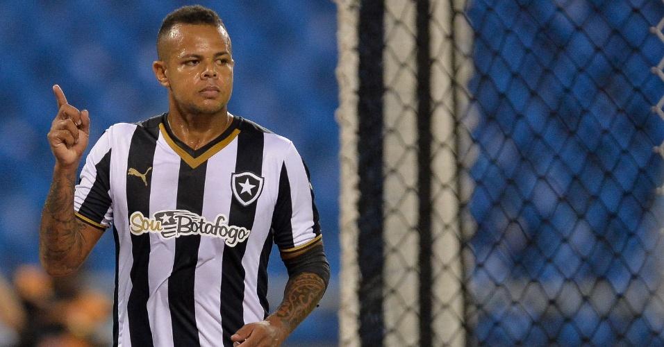Bill comemora gol marcado no confronto do Botafogo contra o Botafogo-PB