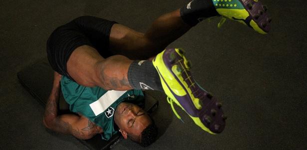 Jobson durante sessão de treinamento no Botafogo. Hoje, está suspenso