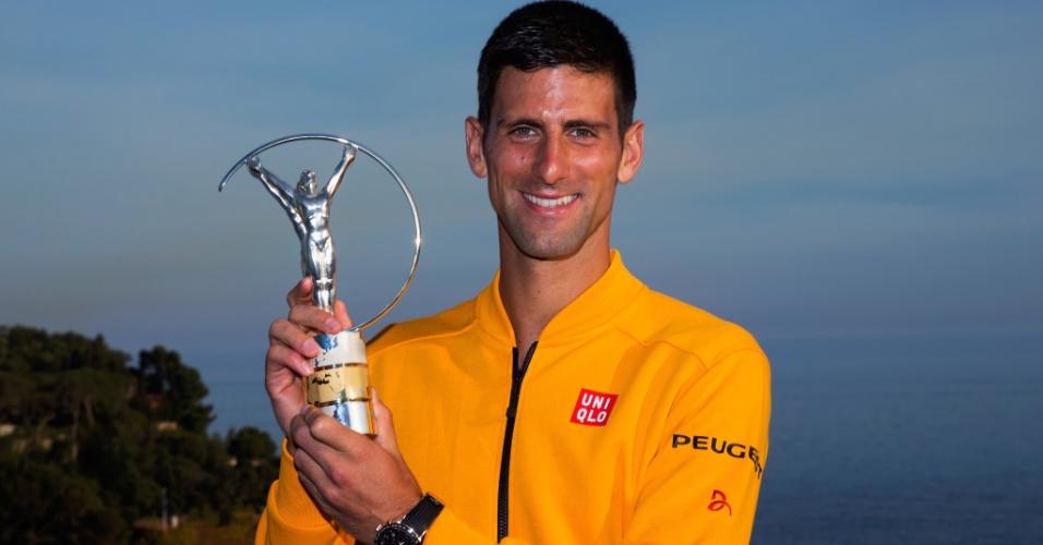 Novak Djokovic recebe o prêmio Laureus em Monte Carlo