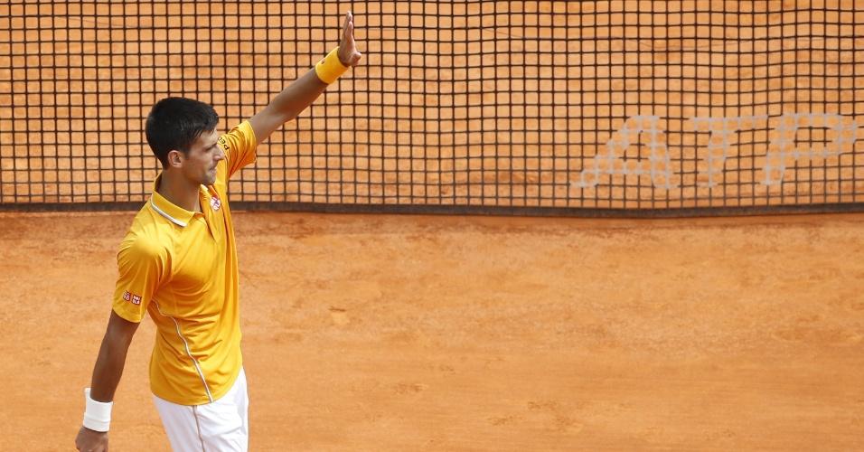 Novak Djokovic agradece após vitória nas quartas de final em Monte Carlo