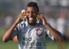Ex-Corinthians e Inter, Vitor Júnior projeta retorno ao futebol brasileiro