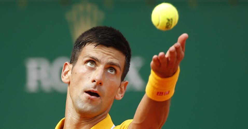 Djokovic em ação na semifinal do Masters 1000 de Monte Carlo, contra Rafael Nadal