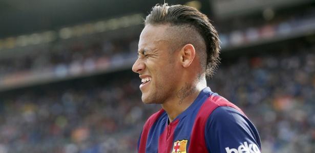 Neymar e o moicano durante a partida do Barcelona contra o Córdoba, no sábado (2)