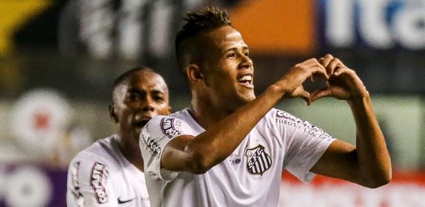 Geuvânio marcou um golaço e abriu o marcador para o Santos no clássico