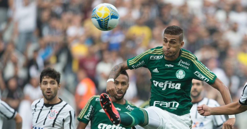 Rafael Marques em ação durante o confronto entre Corinthians e Palmeiras, no Paulistão