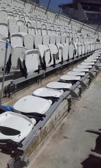 Torcida do Palmeiras quebrou 877 cadeiras no setor onde assistiu à partida contra o Corinthians -- ou 46% de todos os assentos usados