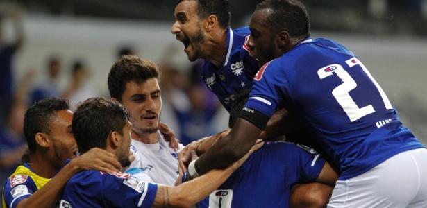 Cruzeiro deve entrar em campo com time reserva diante do Corinthians, neste domingo