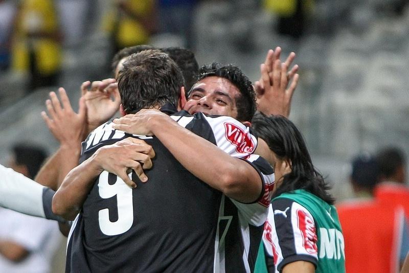 Pratto e Guilherme foram os protagonistas na virada do Atlético sobre o Cruzeiro