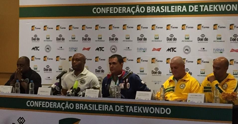 Anderson Silva durante entrevista coletiva desta quarta-feira