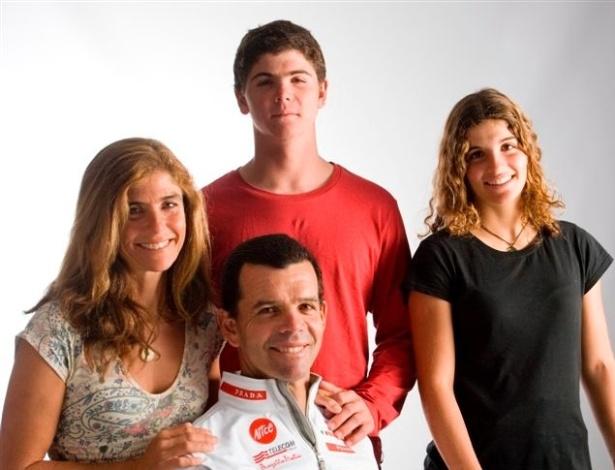 Família Grael: Andrea, Marco e Martine, da esq. para dir., e Torben, no centro