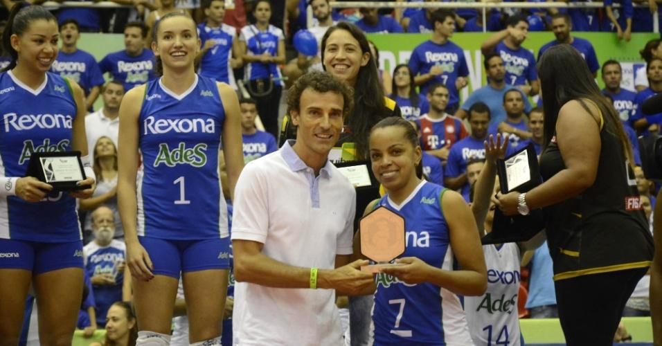 Aos 45 anos, Fofão foi eleita a melhor jogadora da final entre Rexona/Ades e Molico/Nestlé