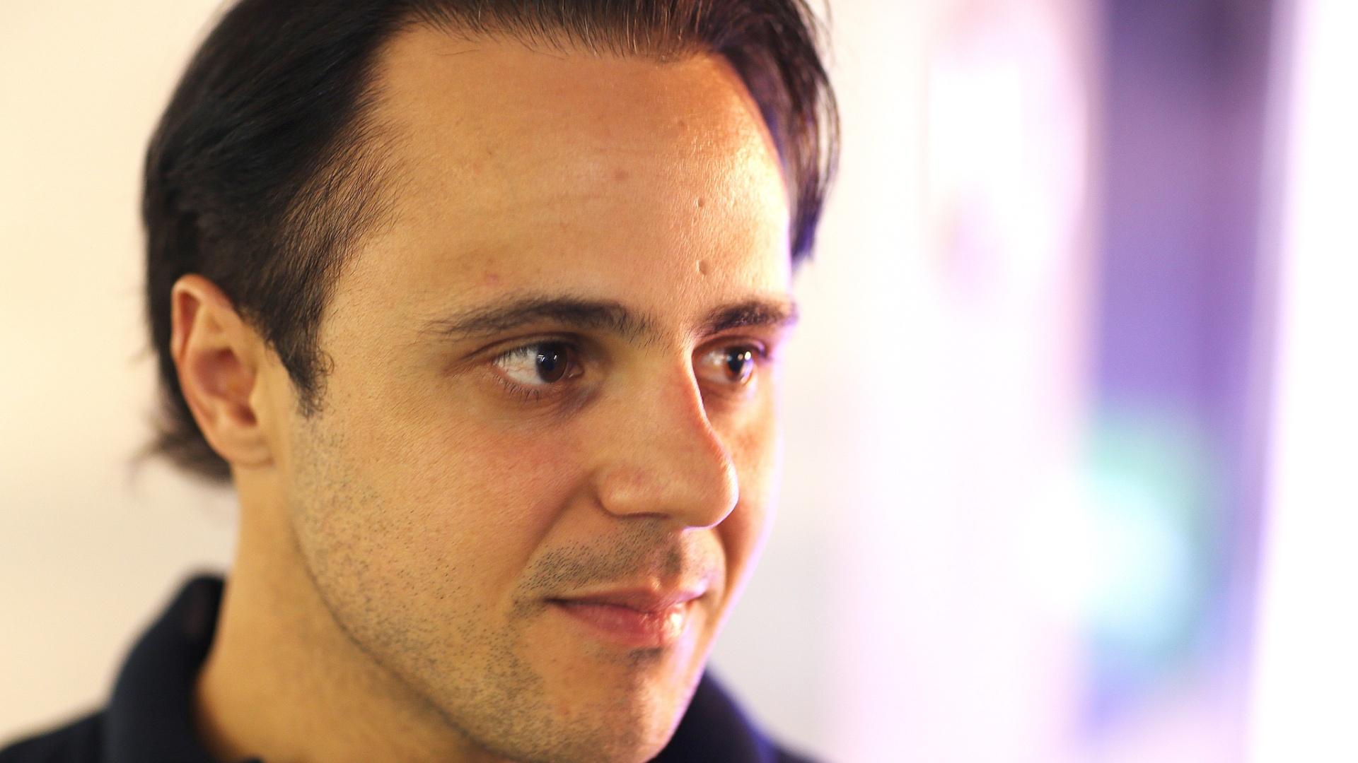 Felipe Massa participa de entrevista exclusiva no UOL, em São Paulo