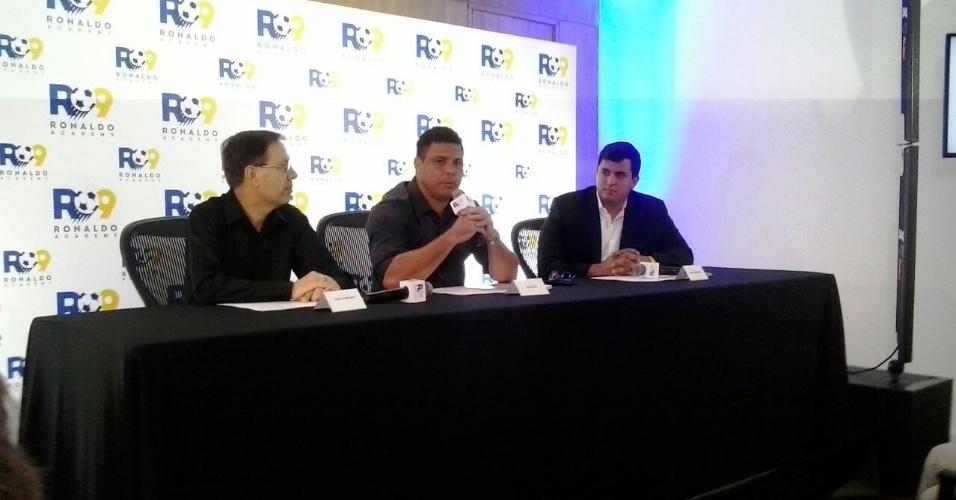 Ronaldo criticou o legado da Copa do Mundo, em evento para lançar uma rede de academias de futebol