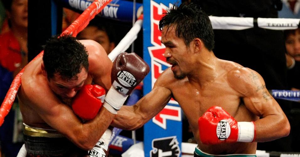 6 de dezembro de 2008 - Vitória por nocaute técnico no oitavo assalto sobre Oscar De La Hoya. Foi o triunfo que colocou Pacquiao no topo do mundo do boxe. Passou por cima da lenda do Golden Boy
