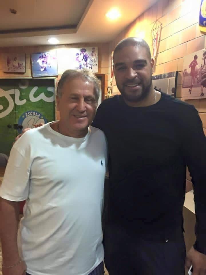 Zico convidou Adriano a jogar no futebol indiano