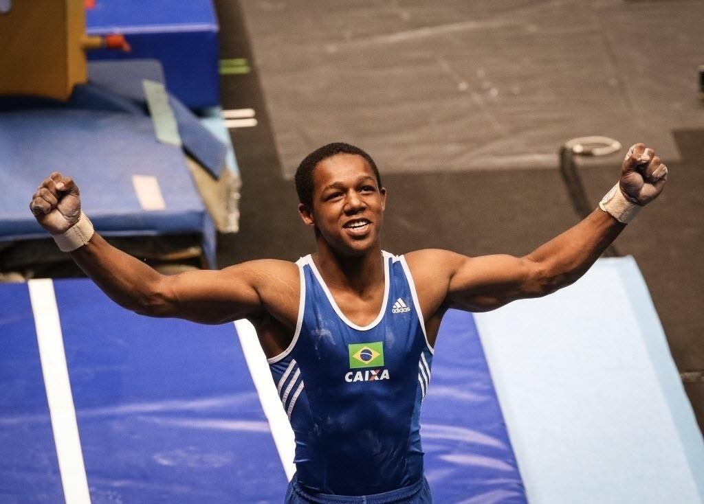 02.mai.2015 - Ângelo Assunção foi a grande surpresa e conquistou medalha de ouro no salto em etapa da Copa do Mundo de ginástica artística