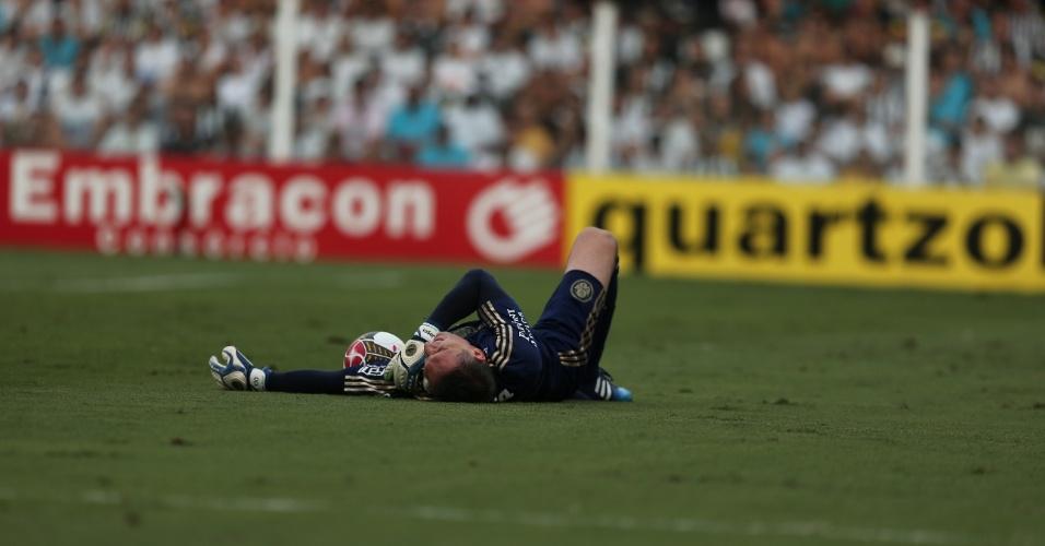 Fernando Prass sente dores no ombro durante final do Campeonato Paulista
