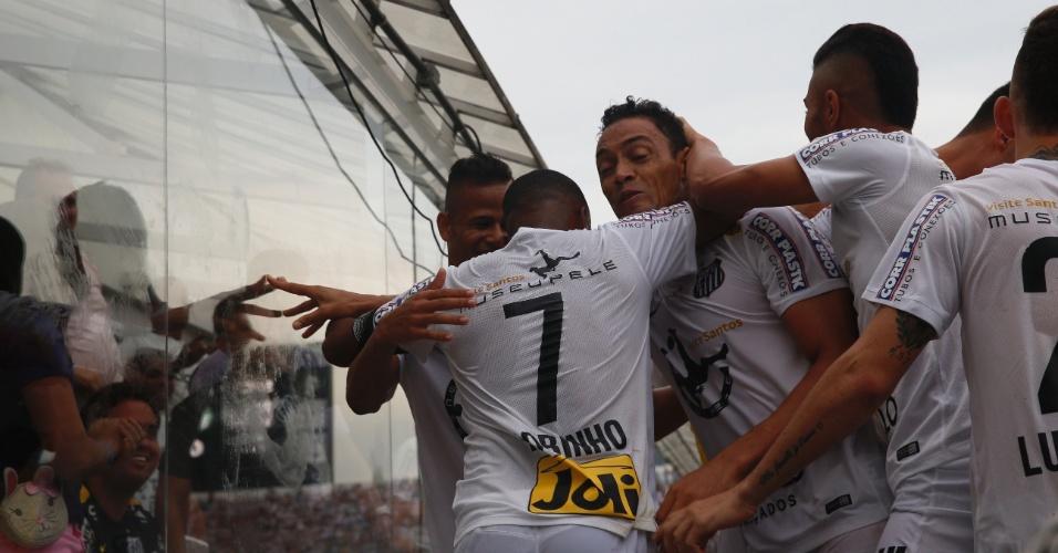 Jogadores do Santos comemoram gol na final do Campeonato Paulista