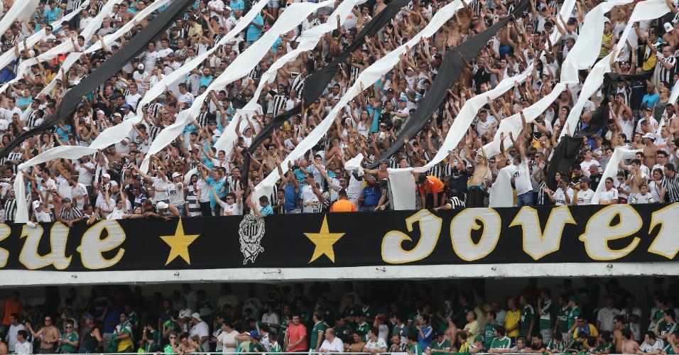 Torcedores do Santos fazem festa antes da decisão na Vila Belmiro