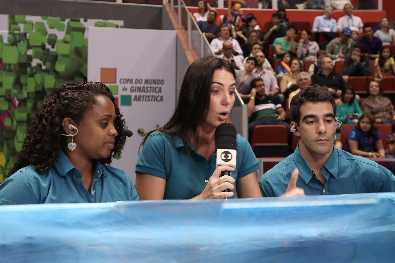 Daiane ao lado de Glenda Kozlowski na transmissão da etapa de São Paulo da Copa do Mundo de Ginástica Artística