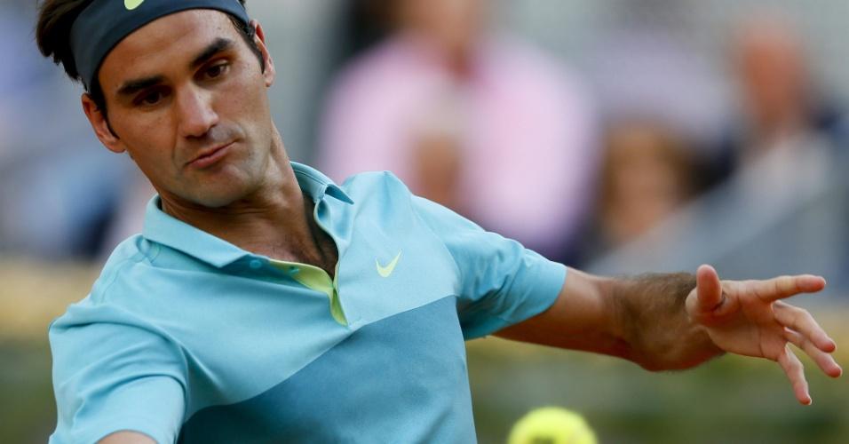 Roger Federer prepara golpe em sua estreia no Masters 1000 de Madri