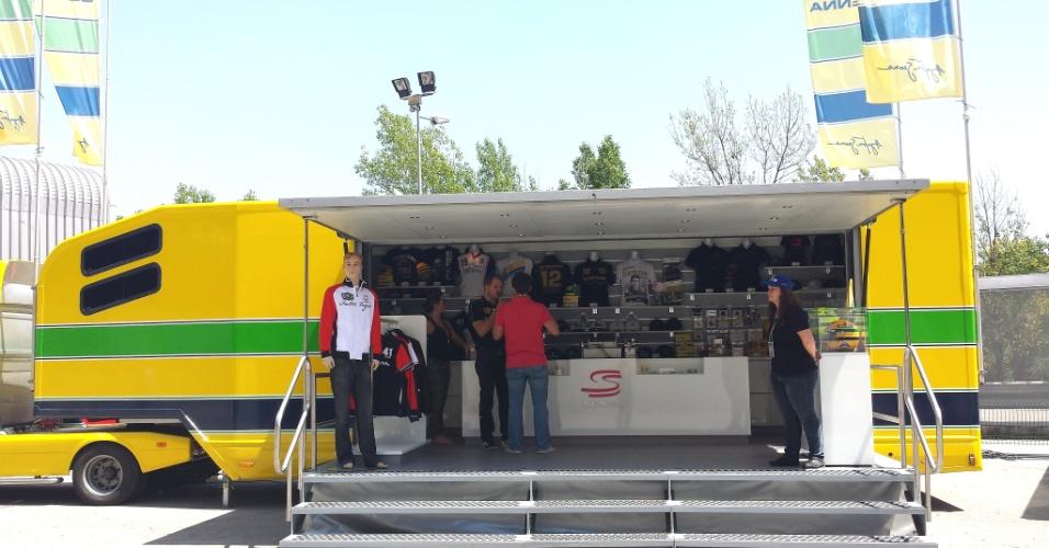 Trailer com produtos de Ayrton Senna em Barcelona