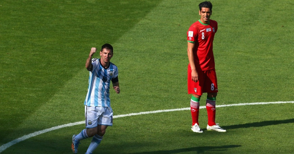 Messi comemora gol marcado para a Argentina sobre o Irã, na Copa do Mundo de 2014