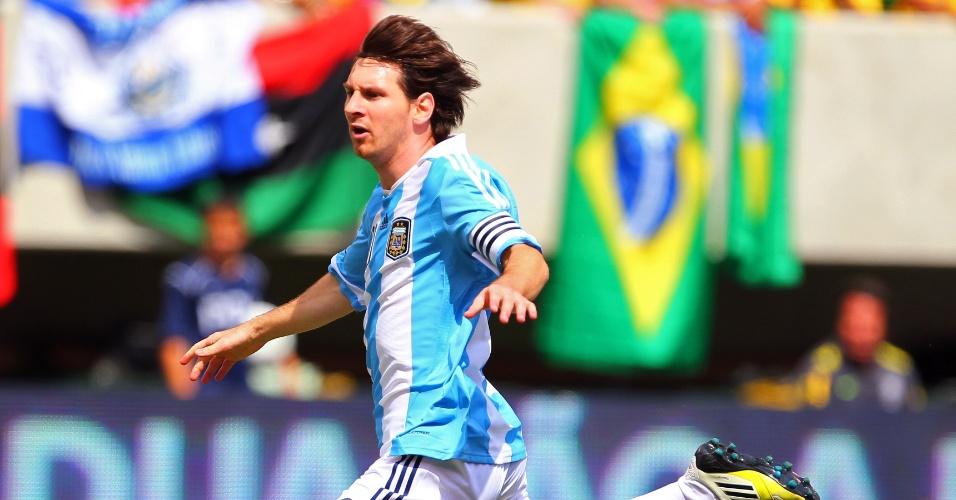 Messi comemora gol marcado sobre o Brasil em amistoso