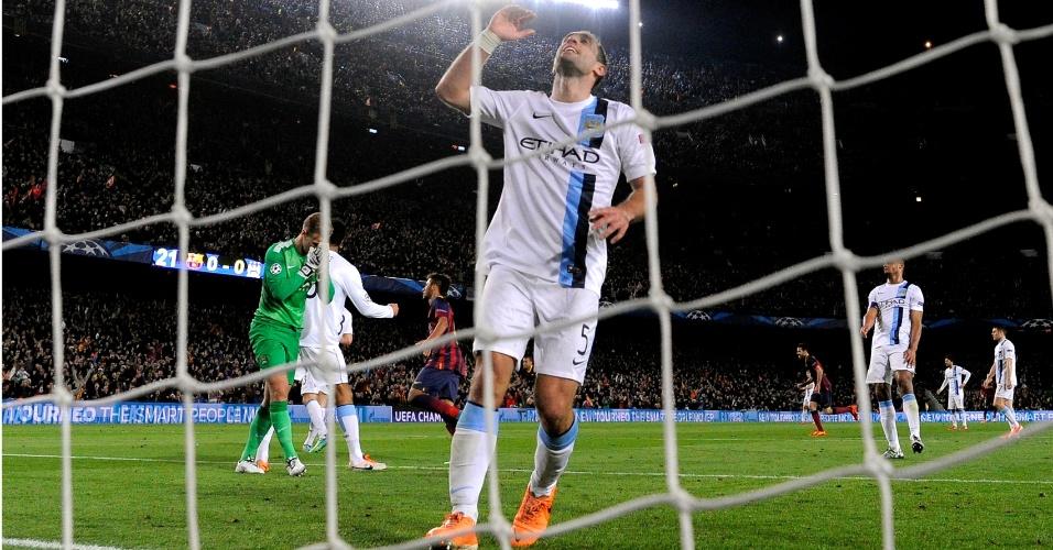 Zabaleta reclama após Manchester City sofrer gol de Messi