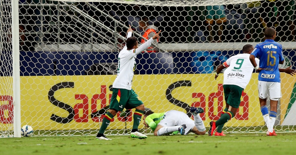 Diones abre o placar para o Sampaio Correa contra o Palmeiras na Copa do Brasil
