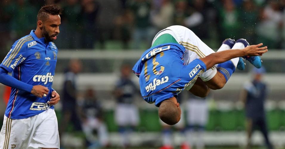 Vitor Hugo comemora gol de empate para o Palmeiras contra o Sampaio Correa, na Copa do Brasil
