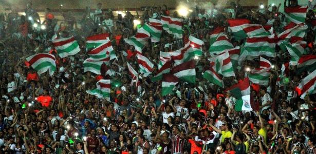 Torcida do Fluminense marcou presença no Maracanã na estreia, contra o Joinville
