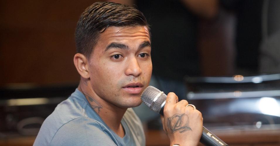 Dudu, atacante do Palmeiras, depõe no TJD no julgamento que o sentenciou a seis meses de suspensão pelo empurrão no árbitro Guilherme Ceretta