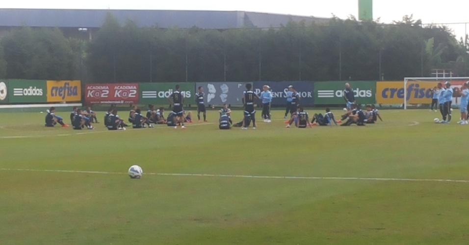 Grupo do Palmeiras durante treino comandado por Oswaldo de Oliveira