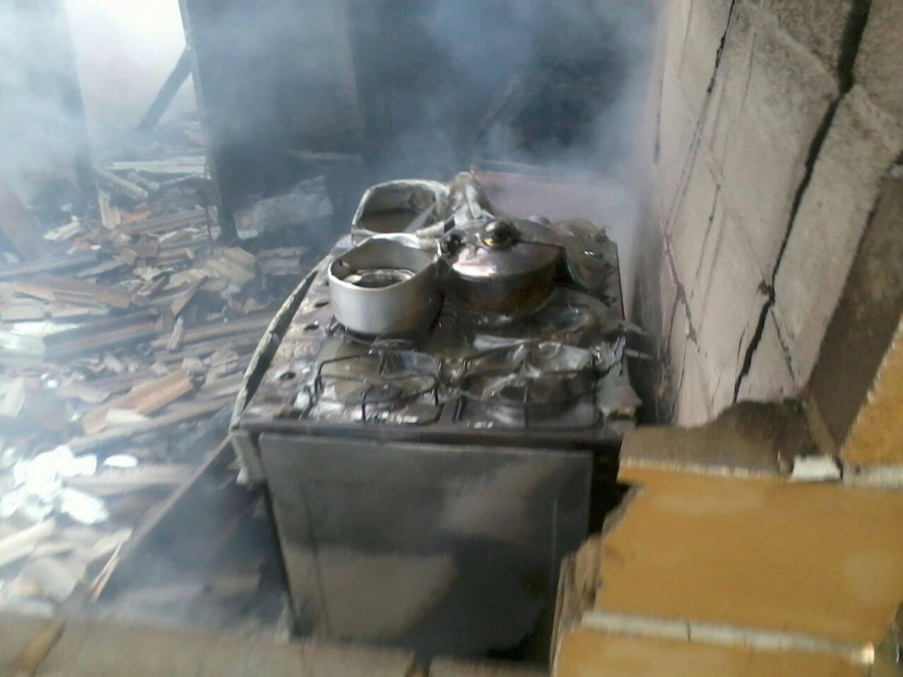 O estado da casa de Touro Moreno após incêndio, em Santa Teresa, no Espírito Santo